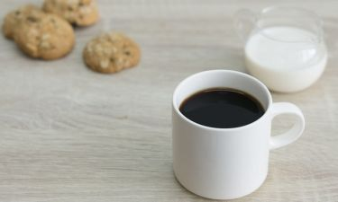 Τι πρέπει να προσθέτετε στον καφέ για να «ρίξετε» την πίεση