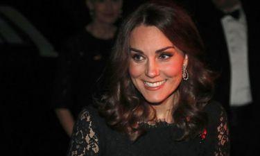 Βασίλισσα Elisabeth: Το απίστευτο δώρο που έκανε στην Kate Middleton και ζηλέψαμε όλες