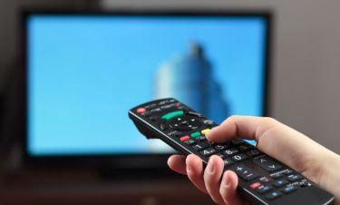 «Αν ανοίξω τηλεόραση κανένα βράδυ υπερέντασης ή αϋπνίας, βλέπω τηλεµάρκετινγκ που µε χαλαρώνει»