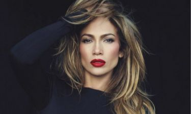 Το κορμί της Jennifer Lopez άφιλτρο και αρετουσάριστο. Οver!