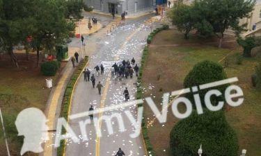 Εισβολή του «Ρουβίκωνα» στο υπουργείο Εθνικής Άμυνας (vid)