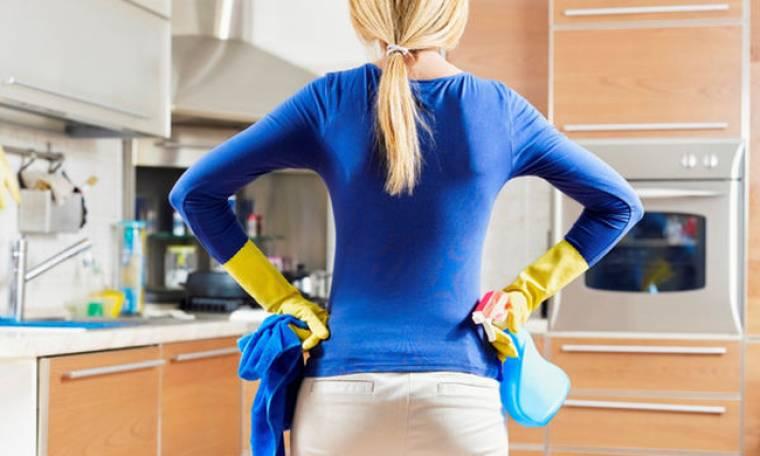 Έχεις νεύρα; Αυτές είναι οι δουλειές του σπιτιού που θα σε βοηθήσουν να εκτονωθείς