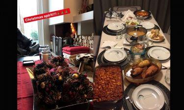Κυριακάτικο τραπέζι δίπλα στο τζάκι για το γνωστό ζευγάρι της σόουμπιζ