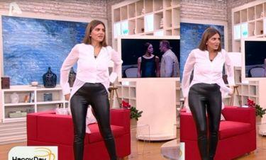 Σταματίνα Τσιμτσιλή: Το πλάνο με τη φουσκωμένη κοιλίτσα της και η κίνηση να μη φανεί...