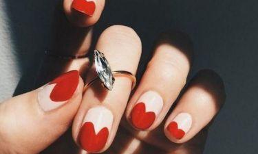 Τα κόκκινα νύχια είναι all time classic επιλογή. Φέτος αναβαθμίζονται! Δες τις καλύτερες ιδέες!