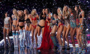 Το λαμπερό show της Victoria's Secret στην Σανγκάη και τα... αγγελάκια που έκλεψαν την παράσταση