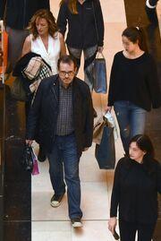 Παύλος Τσίμας: Βόλτα για ψώνια με την οικογένειά του