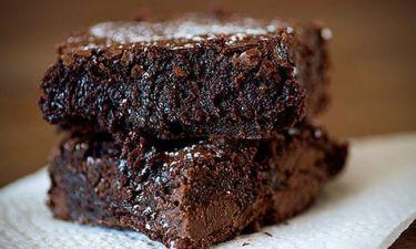 Brownies σοκολάτα μόνο 3 υλικά! Θα σας ενθουσιάσουν