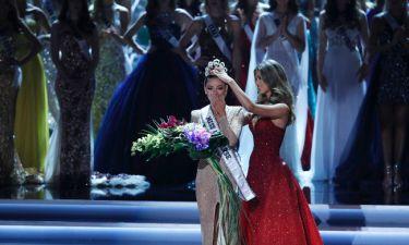 Μια 22χρονη Νοτιοαφρικανή καλλονή αναδείχθηκε Miss Universe 2017