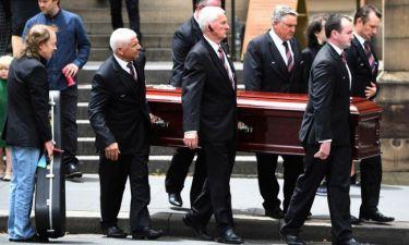 Μάλκολμ Γιανγκ: Η κηδεία και το τελευταίο αντίο με την κιθάρα του