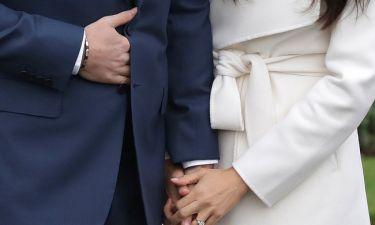Τικ ή.. κρυφό μήνυμα; Γιατί ο Πρίγκιπας Harry κρατούσε την κοιλιά του;