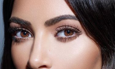 Τα 3 μεγαλύτερα λάθη που κάνεις στα φρύδια σου, σύμφωνα με την brow expert της Kim Kardashian