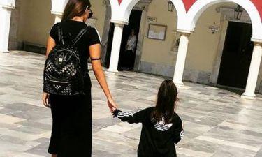 Η κόρη γνωστής Ελληνίδας είχε γενέθλια και συγκινεί: «Για πάντα μαζί, τα χέρια μας ενωμένα...»
