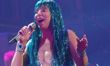 Κόβει την ανάσα στα 71 της η Cher πάνω στην σκηνή