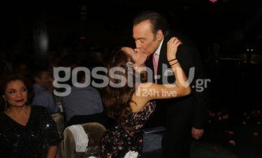 Βοσκόπουλος: Το φιλί στο στόμα με την κόρη του