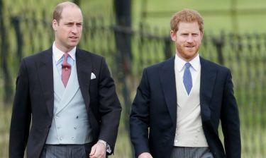 Το επικό σχόλιο του πρίγκιπα William για τον αρραβώνα του αδερφού του, Harry