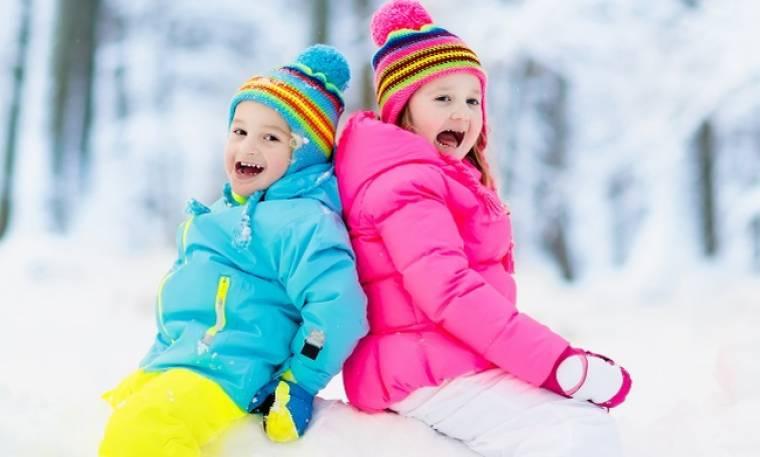 Τι ρούχα πρέπει να επιλέγουμε τις κρύες χειμωνιάτικες ημέρες;