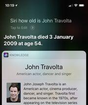 Η Siri «πέθανε» τον John Travolta