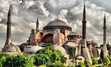 «Παραλήρημα» Τούρκου βουλευτή του Ερντογάν: Ας κάνουμε τζαμί την Αγια - Σοφιά
