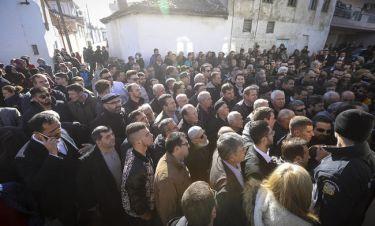 LIVE:Έφτασε στην Κομοτηνή ο Ερντογάν - Πλήθος κόσμου τον υποδέχτηκε στο τζαμί Κιρ Μαχαλέ