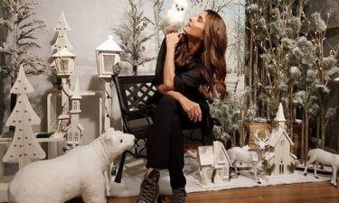 Πόπη Τσαπανίδου: Δείτε την να στολίζει το χριστουγεννιάτικο δέντρο της