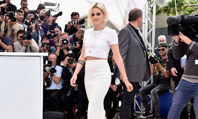 Aυτό το είδος μπλούζας δεν σταματάει να το φοράει η Kristen Stewart