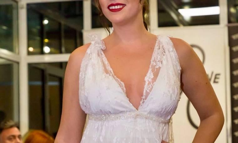 Ελληνίδα παρουσιάστρια ντύθηκε νυφούλα