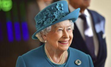 Βασίλισσα Ελισάβετ: Δεν φαντάζεστε τι δώρο θα κάνει για τα Χριστούγεννα στους υπαλλήλους της
