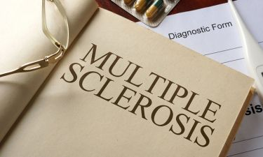 Πολλαπλή σκλήρυνση: Η διατροφή που μειώνει τα συμπτώματα και τον κίνδυνο αναπηρίας