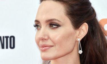 OMG: H νέα εμφάνιση της Angelina Jolie που προκαλεί αμέτρητα σχόλια και... όχι άδικα