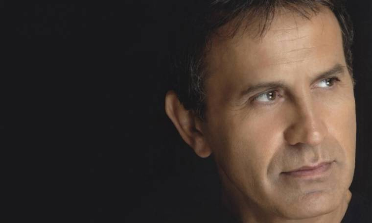 Γιώργος Νταλάρας: «Η επικαιρότητα μας κάνει ν' ανησυχούμε»