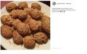 Η Άντζελα Δημήτριου με την κόρη της, Όλγα μπήκαν στην κουζίνα και έφτιαξαν μελομακάρονα!