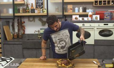Χοιρινό μπούτι στο φούρνο για το γιορτινό τραπέζι από τον Άκη Πετρετζίκη