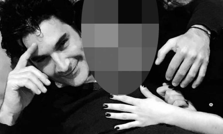 Χριστόφορος Παπακαλιάτης: Έγινε 42 χρονών! Δείτε στην αγκαλιά ποιας τραγουδίστριας πόζαρε