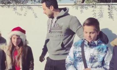 Τανιμανίδης: Στο πατρικό του σπίτι στη Θεσσαλονίκη με τα παιδιά της γειτονιάς του είπαν τα κάλαντα