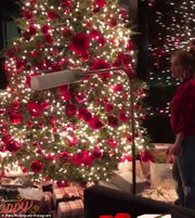 Θα πάθετε πλάκα με το δέντρο της J.Lo