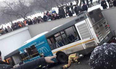 Λεωφορείο «θέρισε» πεζούς σε υπόγεια διάβαση στη Μόσχα - Πληροφορίες για νεκρούς (vid)