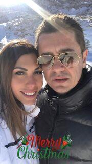 Αντώνης Σρόιτερ – Ιωάννα Μπούκη: Ποζάρουν αγκαλιά στα χιόνια