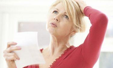 Εμμηνόπαυση: Σε ποια ηλικία έρχεται, ποια είναι τα συμπτώματα
