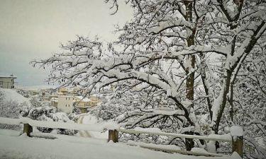 Καιρός – Έκτακτο δελτίο ΕΜΥ: Προσοχή! Πού θα χτυπήσει ισχυρή κακοκαιρία με χιόνια τις επόμενες ώρες