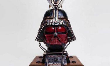 «Η Δύναμη, μαζί σου!»: Τσάντες γνωστού οίκου παίρνουν τη μορφή συμβόλων του Star Wars