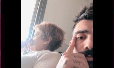 Κλάους Αθανασιάδης: Επικό βίντεο με τη μητέρα του: «Θα μας ανατινάξουν, ανάθεμά τους…»