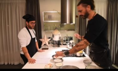 Ο Μαζωνάκης φτιάχνει βασιλόπιτα με τον βοηθό του Μακρυνιώτη- Τι ξέχασαν να βάλουν μέσα;