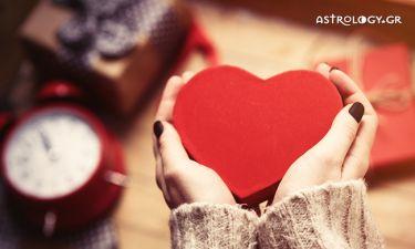 Πανσέληνος στον Καρκίνο: Προβλέψεις για τα ερωτικά και τις σχέσεις σου