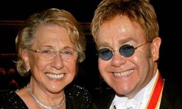 Το μήνυμα του Elton John μετά την κηδεία της μητέρας του