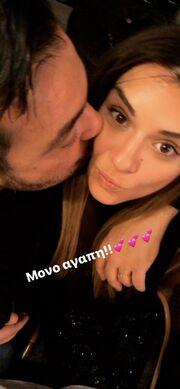 Ελένη Τσολάκη: Πόσταρε φωτογραφία με τον σύζυγό της να τη φιλάει