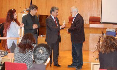 Το Ελεύθερο Πανεπιστήμιο στην Χίο τίμησε τον Γιάννη Σμαραγδή