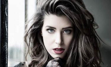 Ελληνίδα τραγουδίστρια δηλώνει: «Με μπερδεύουν με την Demy»