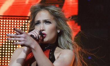 Ο Drake μόλις έγραψε τραγούδι επειδή έχασε την... Jennifer Lopez!