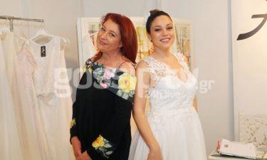 Μπάγια Αντωνοπούλου: Ντύθηκε νυφούλα για χάρη της μαμάς της